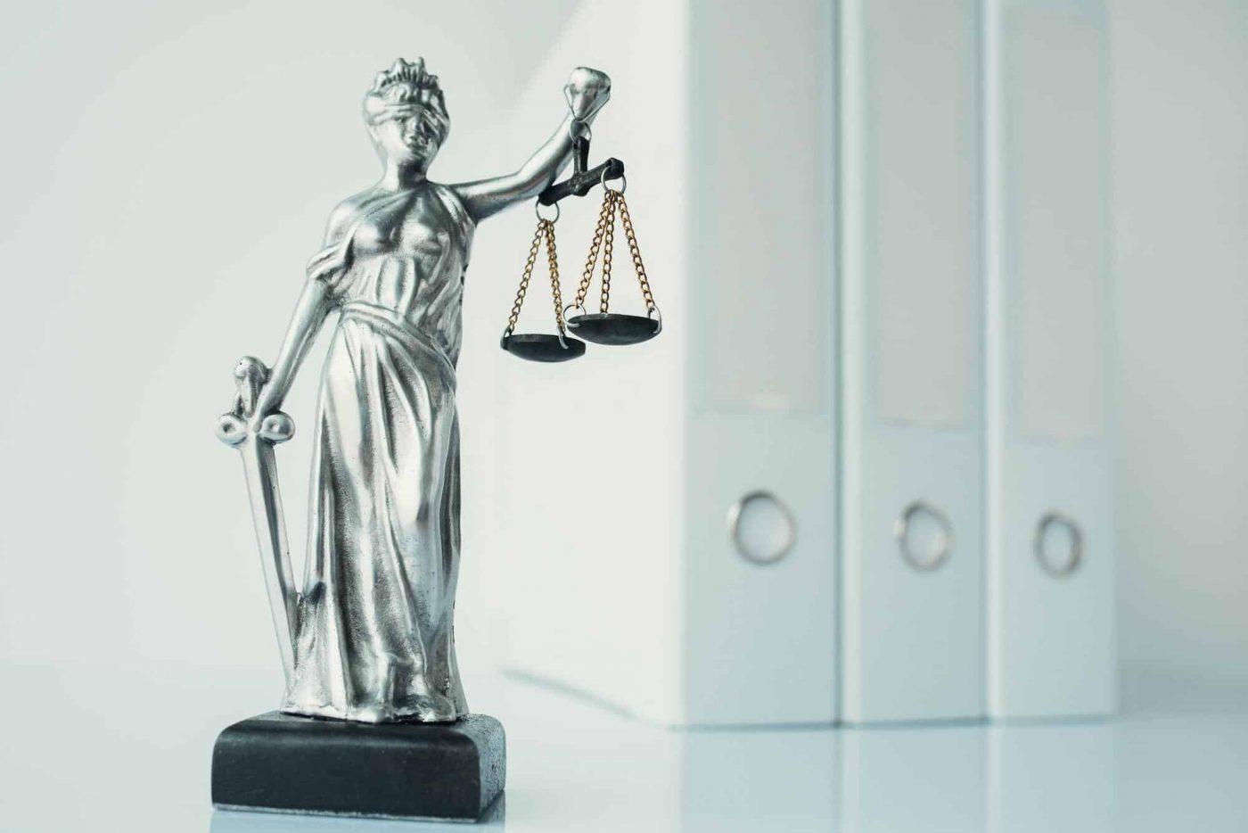 Lady Justice statue in law firm office - lady justice statue in law firm office o9s7ins6l85txrmj7yyhhbrkrup5to0uwvzpukbpmk - Gesetzliche Vorgaben